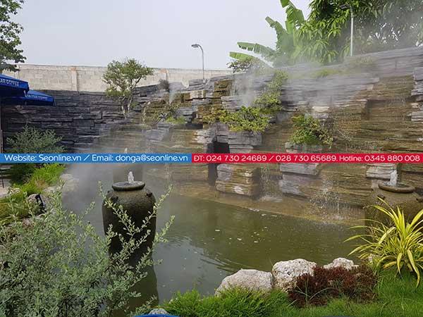 Phun-suong-lam-mat-tao-canh-quan-quan-caffe-lee-garden3