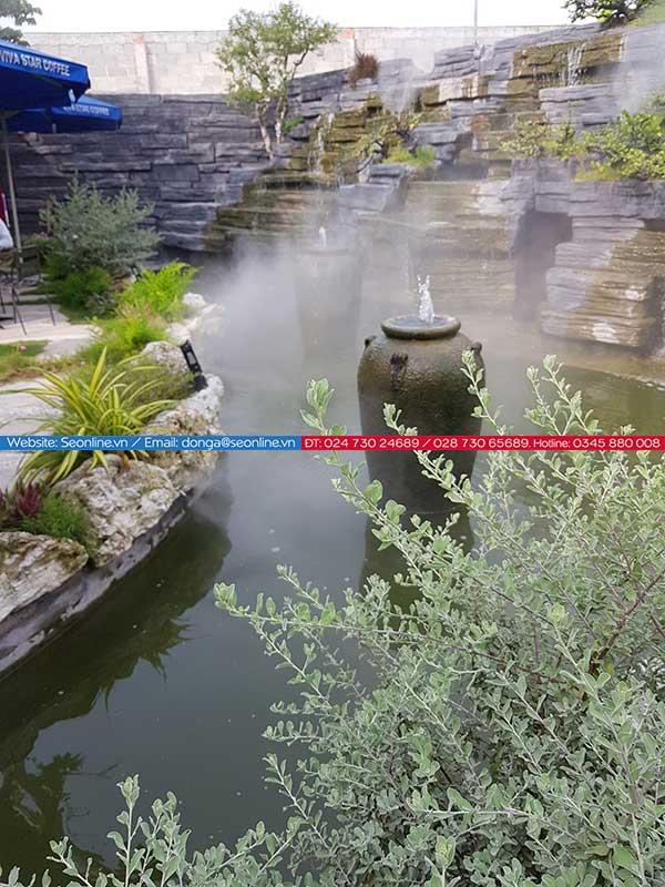 Phun-suong-lam-mat-tao-canh-quan-quan-caffe-lee-garden7